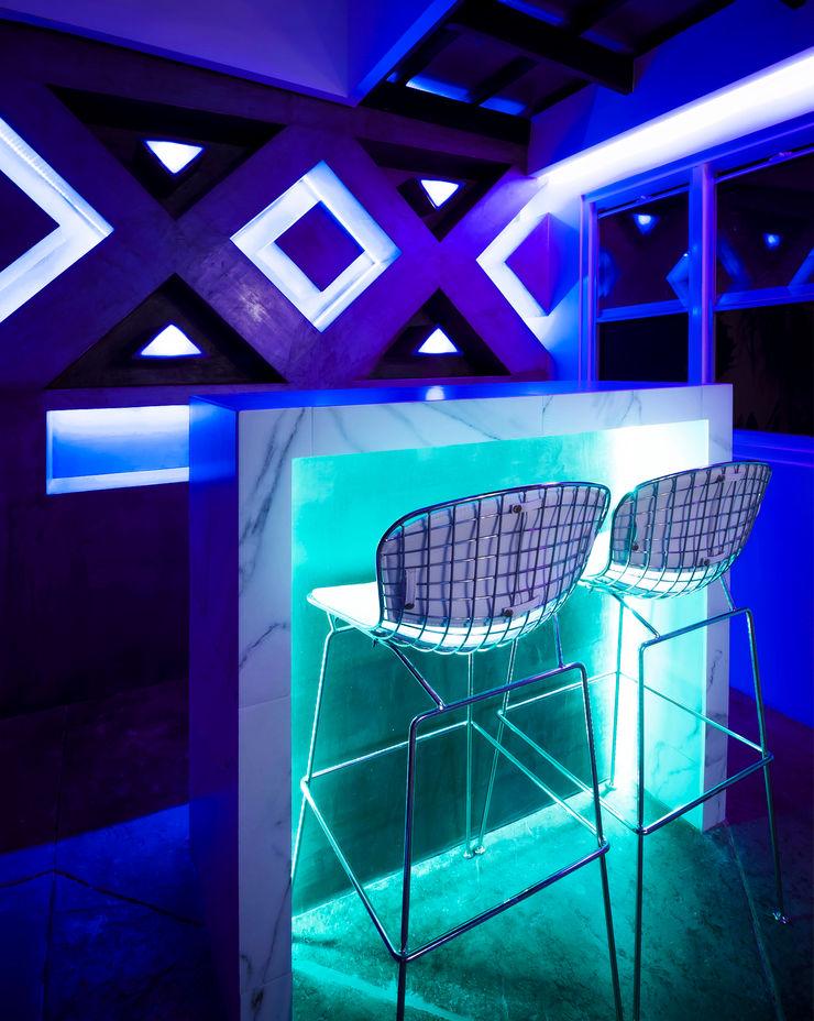 SZTUKA Laboratorio Creativo de Arquitectura Eclectic style houses Turquoise