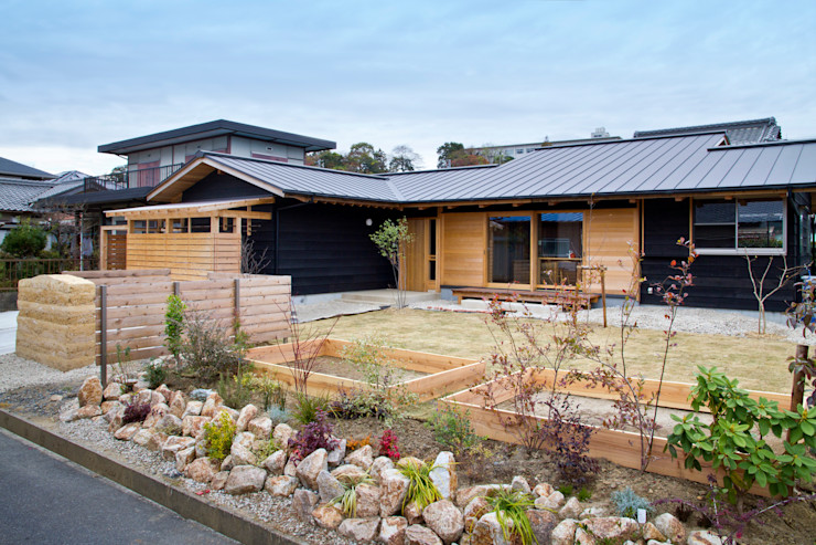 shu建築設計事務所 Asian style houses Wood Beige