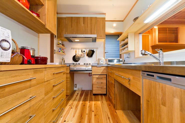 shu建築設計事務所 現代廚房設計點子、靈感&圖片 木頭 Wood effect