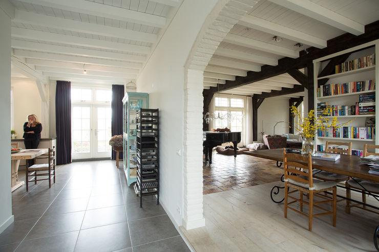 Tieleman Keukens 現代廚房設計點子、靈感&圖片