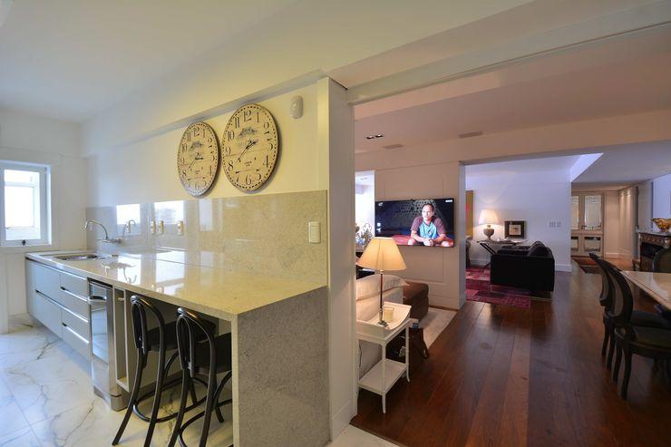 RESIDÊNCIA JF Maria Christina Rinaldi Arquitetos Eclectic style kitchen