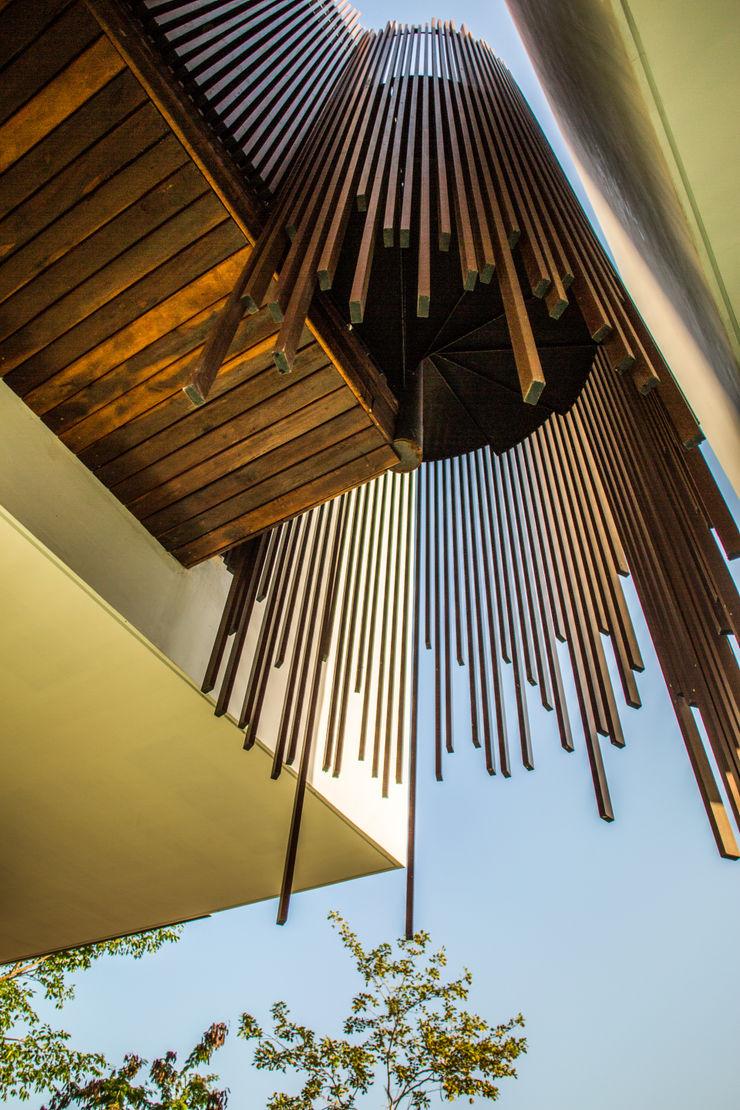 FGO Arquitectura Modern corridor, hallway & stairs Wood effect