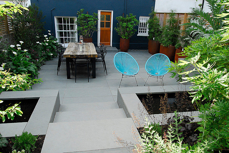 Contemporary Garden Design by London Based Garden Designer Josh Ward Josh Ward Garden Design 庭院 塑膠 Blue