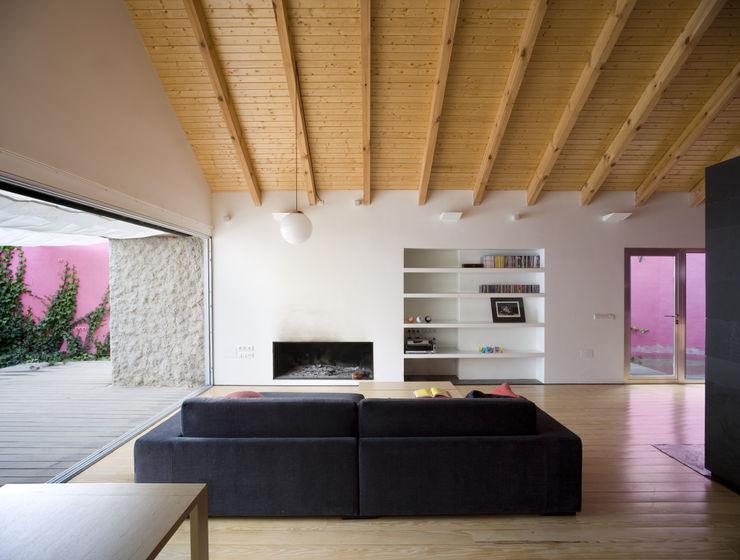 daniel rojas berzosa. arquitecto Minimalistische woonkamers
