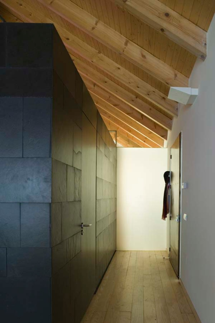 daniel rojas berzosa. arquitecto Minimalist corridor, hallway & stairs