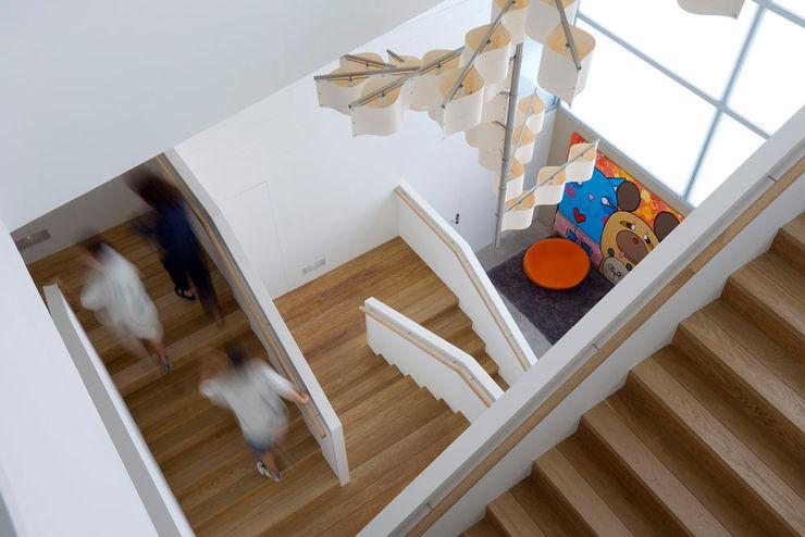 Tuc Tuc Company Headquarters. Stairway Ignacio Quemada Arquitectos Koridor & Tangga Minimalis Kayu Wood effect