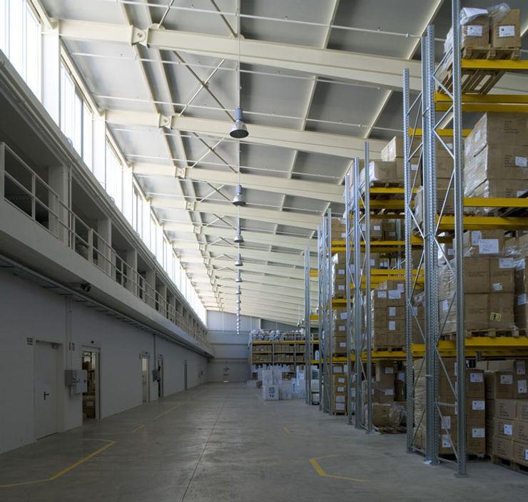 Tuc Tuc Company Headquarters. Warehouse Ignacio Quemada Arquitectos Koridor & Tangga Minimalis