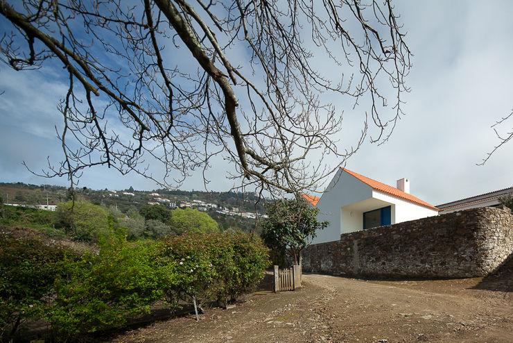 Caseiros House SAMF Arquitectos Country style house