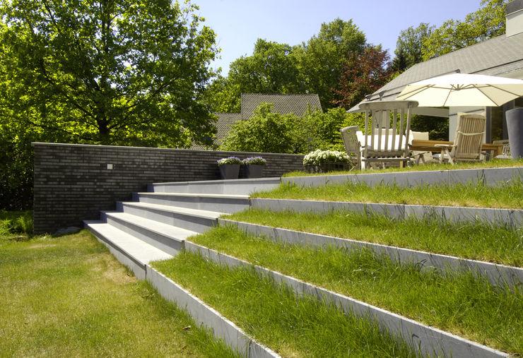 Van Hoogevest Architecten Modern Garden