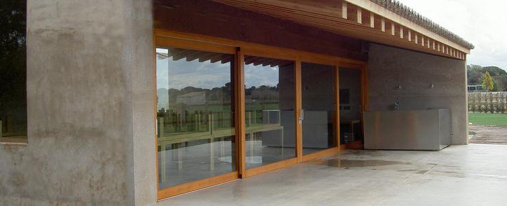 Finca de recreo Montebayón Ignacio Quemada Arquitectos Puertas y ventanas de estilo moderno Madera Acabado en madera
