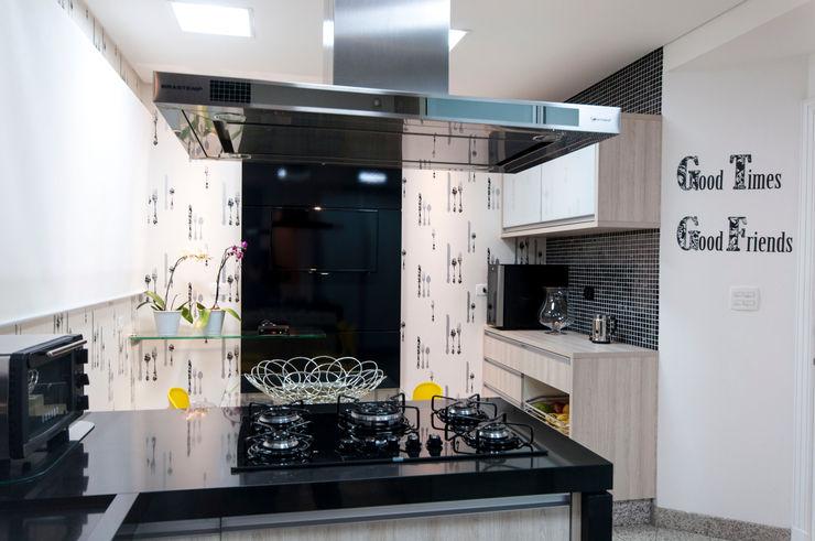 Haus Brasil Arquitetura e Interiores Cucina eclettica