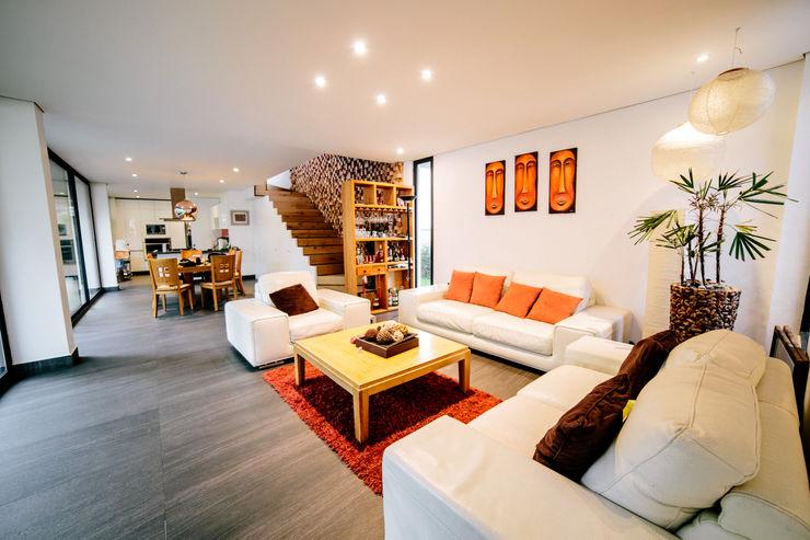 gOO Arquitectos Minimalist Oturma Odası Mozaik Beyaz