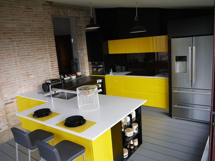 Du jaune dans la cuisine pour un look vitaminé! Démesure CuisinePlans de travail Jaune
