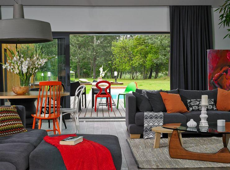 stando interior design Soggiorno moderno