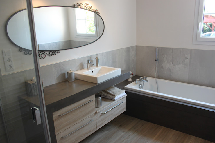 ATLANTIC BAIN BathroomBathtubs & showers Stone Wood effect