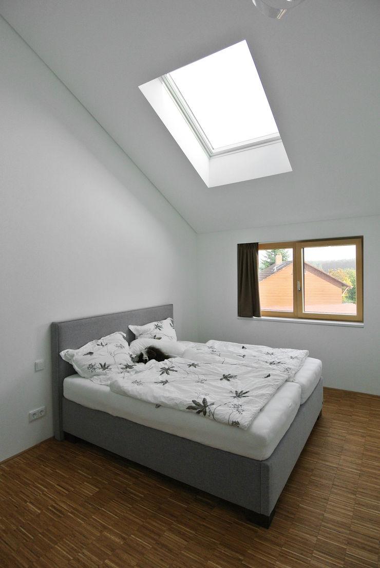 VS Volker Schmidt Architekten Modern Bedroom