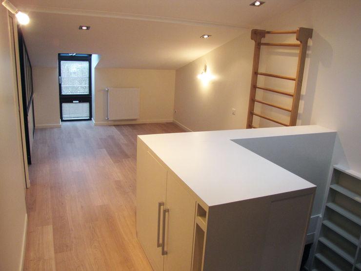 Kauri Architecture Gimnasios domésticos modernos Beige
