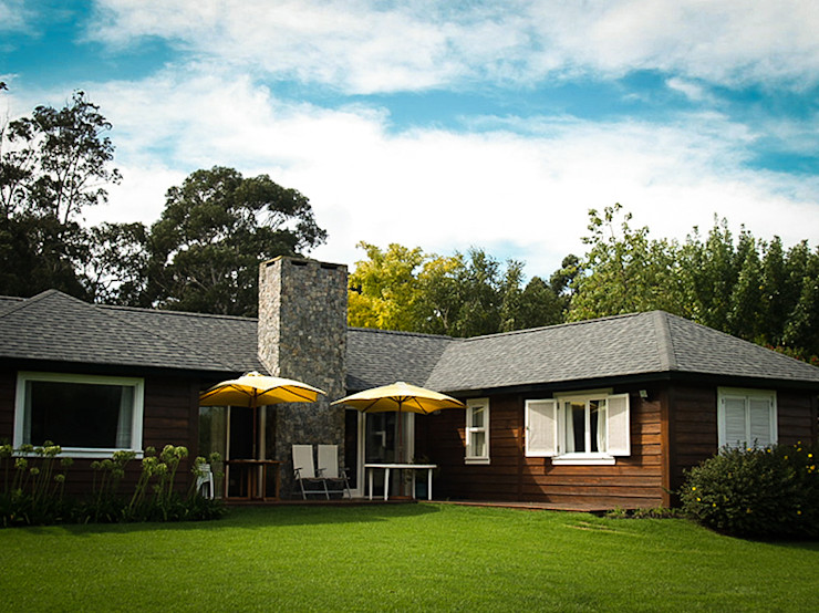 Chauvín Arquitectura Country style house Wood Wood effect