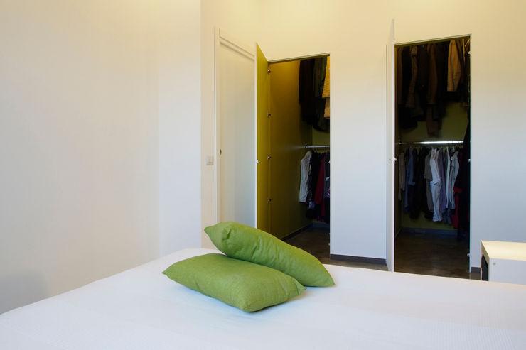 CASA OC Laboratorio di Progettazione Claudio Criscione Design Spogliatoio eclettico Bianco