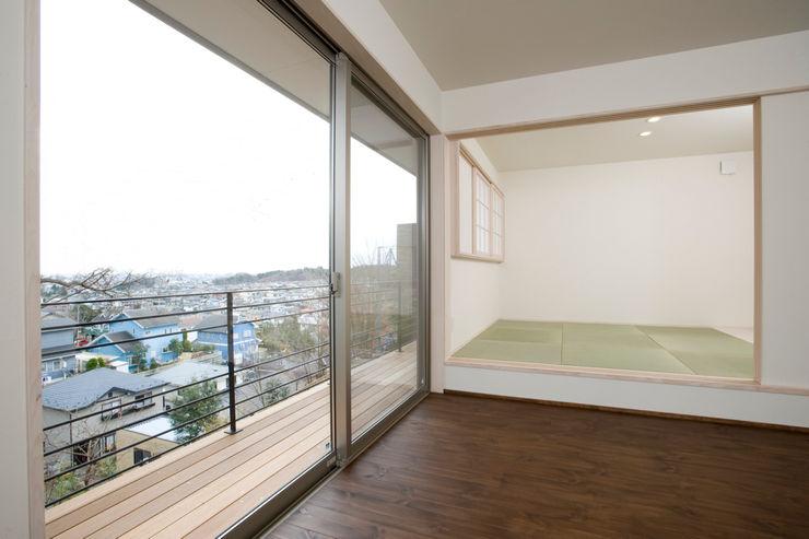アトリエdoor一級建築士事務所 Asian style bedroom Wood Wood effect