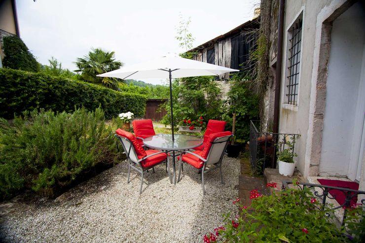 Studio HAUS Modern Bahçe