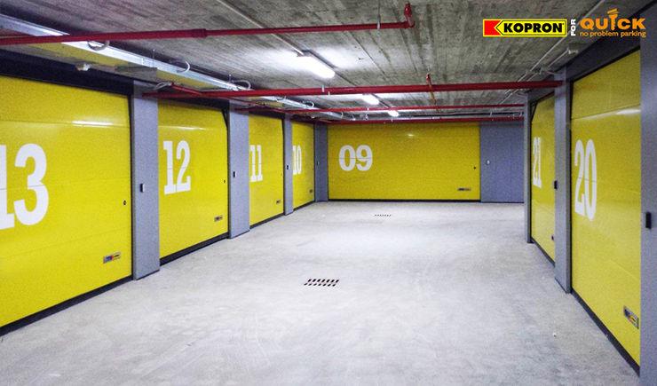 Kopron S.p.A. Garajes de estilo moderno