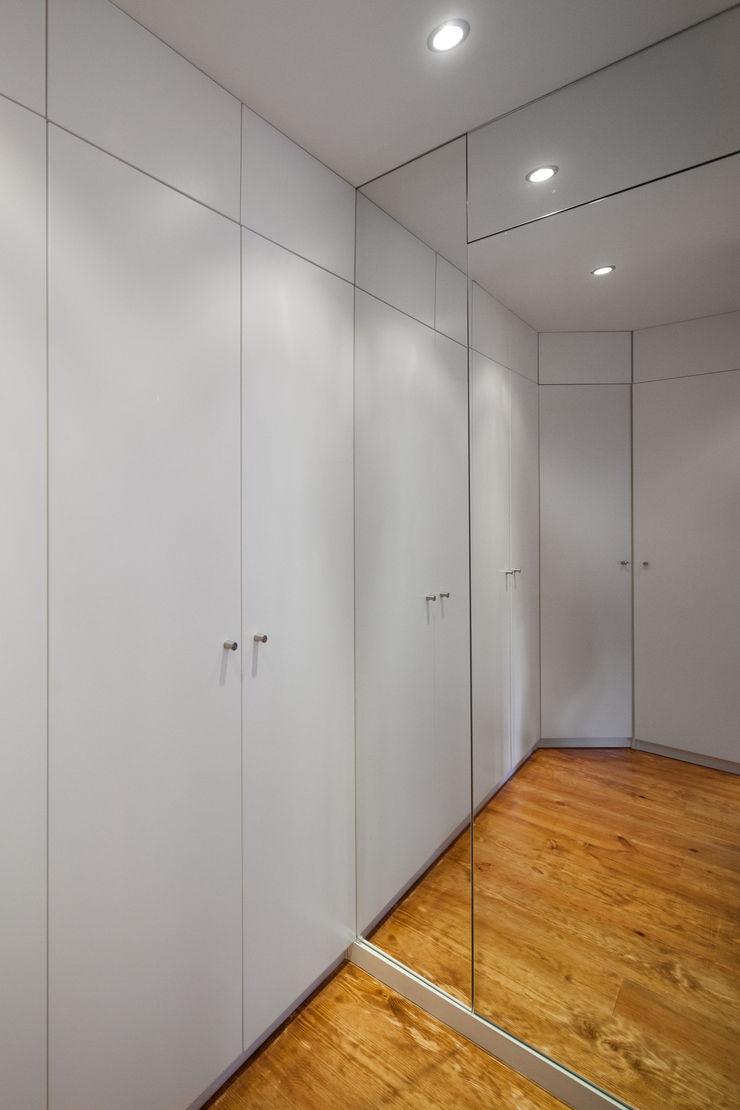VSS ARQ Vestidores de estilo minimalista