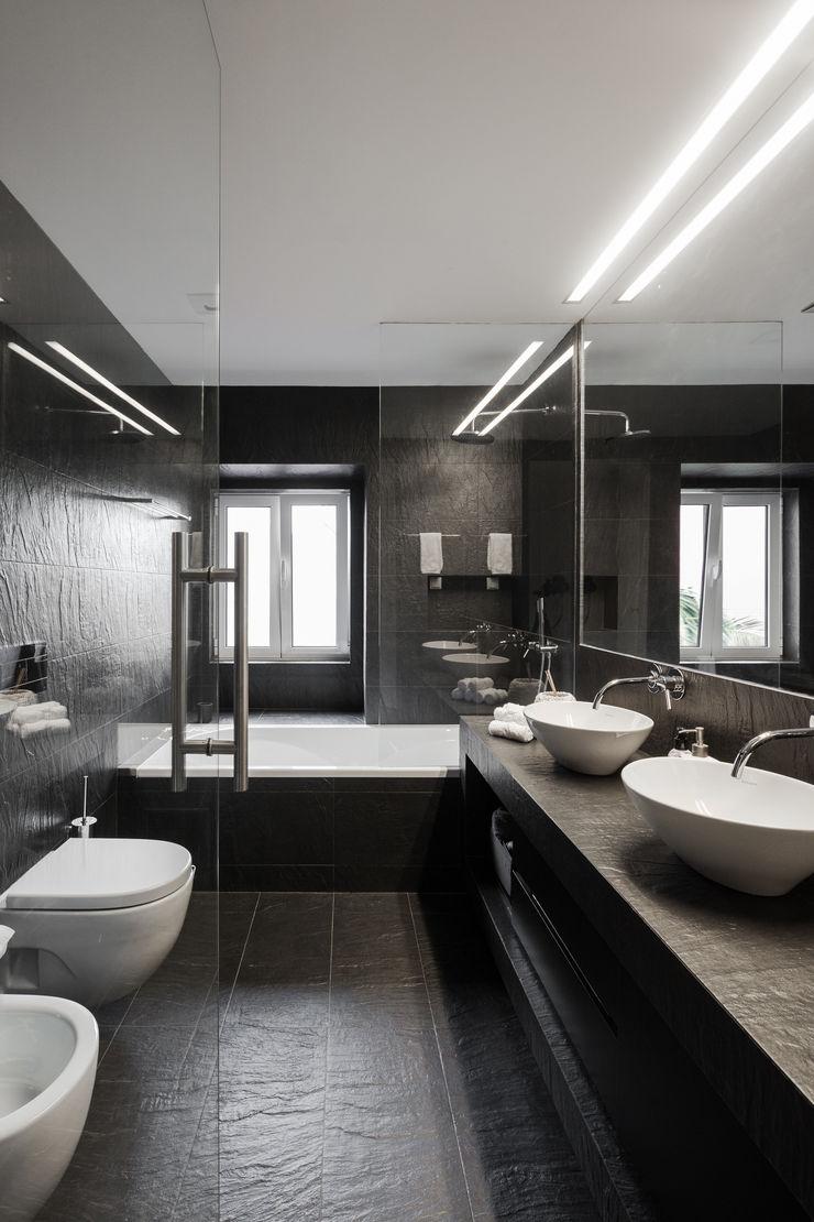 VSS ARQ Baños de estilo minimalista
