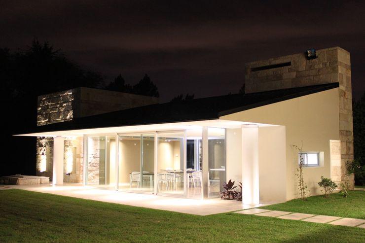 cm espacio & arquitectura srl Moderne Häuser