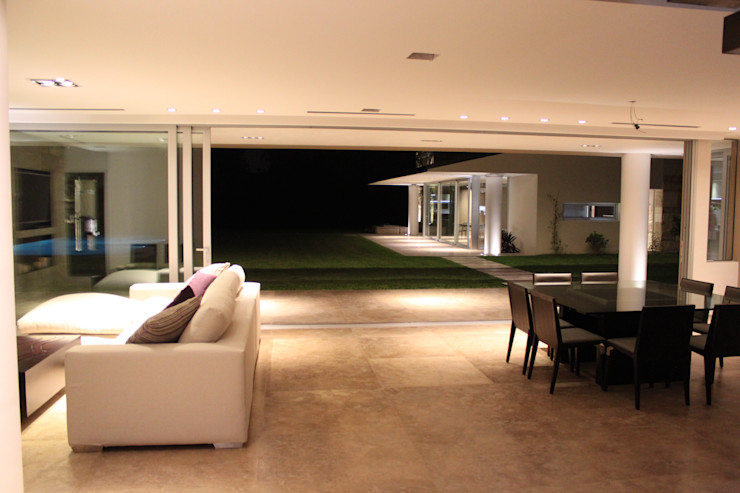 cm espacio & arquitectura srl Moderne Fenster & Türen
