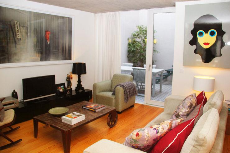 MOOPI - Arch + Interiors Modern living room