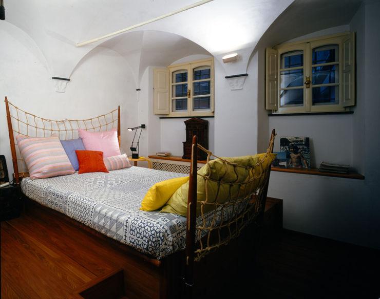 VITTORIO GARATTI ARCHITETTO Modern style bedroom