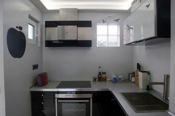Lineas sencillas y acabados en alucobond JCandel Cocinas modernas