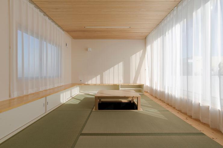 有限会社 宮本建築アトリエ Living room