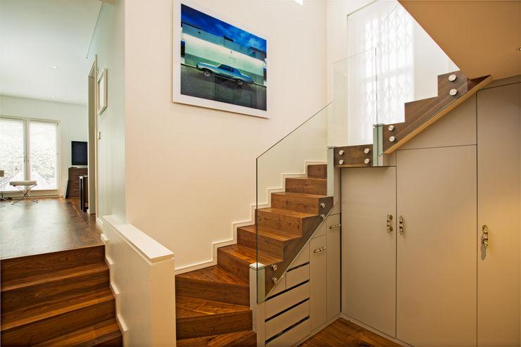 Aberdare Gardens, NW6 XUL Architecture Modern corridor, hallway & stairs