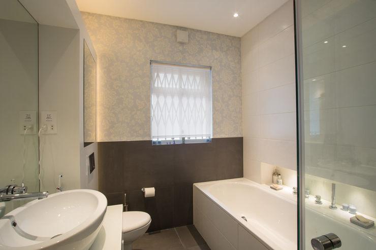 Aberdare Gardens, NW6 XUL Architecture Modern bathroom