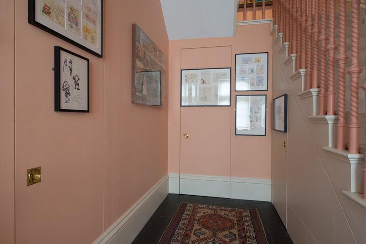 55 The Bomptons ATOM BUILD LTD 現代風玄關、走廊與階梯