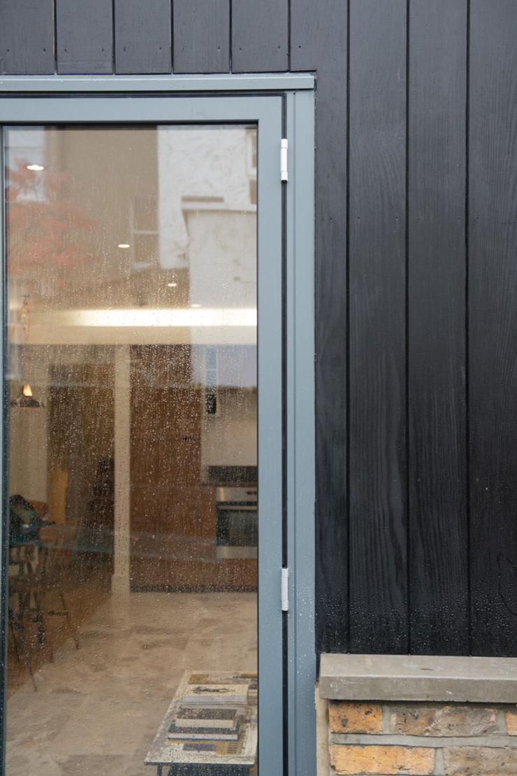 86 Pellarin Road ATOM BUILD LTD Modern Walls and Floors