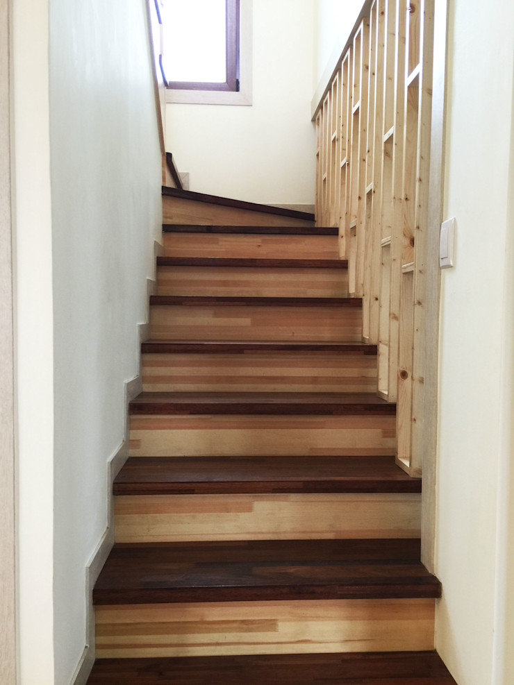 21c housing Mediterranean style corridor, hallway and stairs
