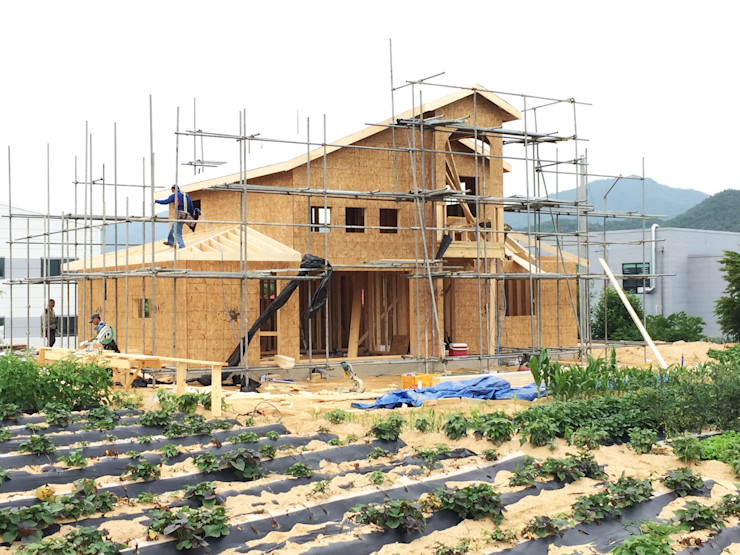 21c housing Mediterranean style houses
