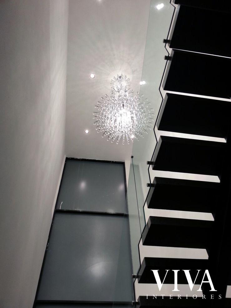 Candil VIVAinteriores Pasillos, vestíbulos y escaleras minimalistas Blanco