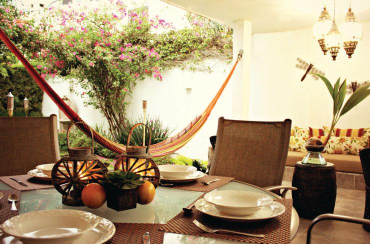 Nomada Design Studio Eclectic style balcony, veranda & terrace