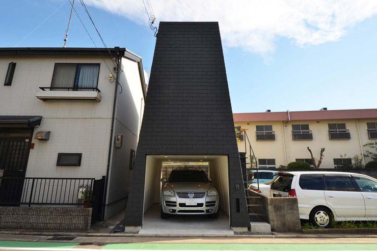 関口太樹+知子建築設計事務所 Modern houses Stone Black