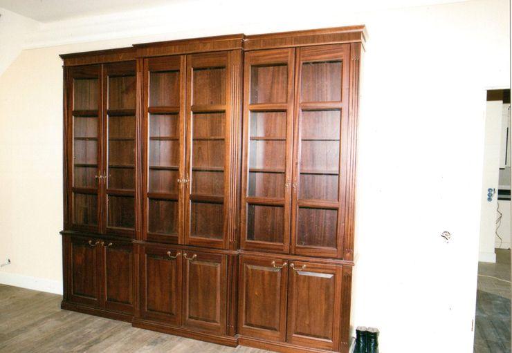 Мебельная мастерская Александра Воробьева Study/officeCupboards & shelving Wood