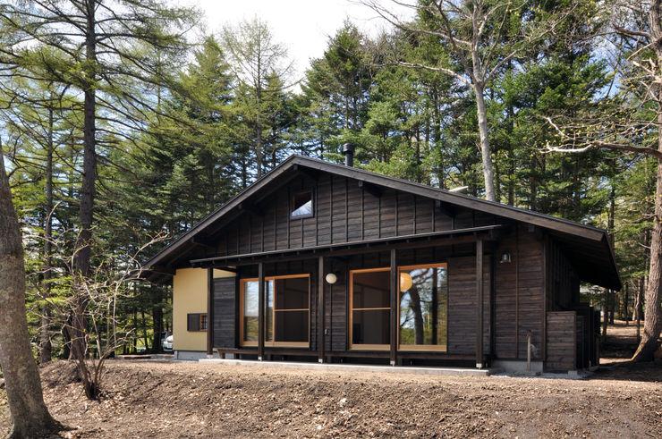 モリモトアトリエ / morimoto atelier Moderne Häuser Holz Schwarz