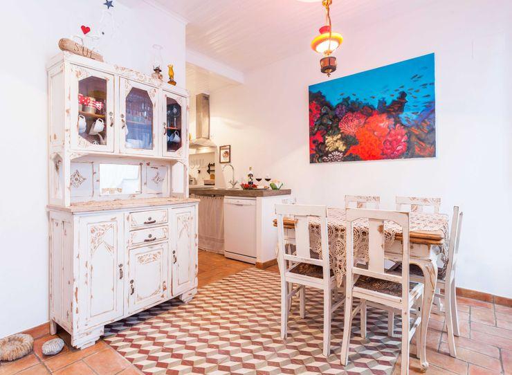 alma portuguesa Rustic style kitchen