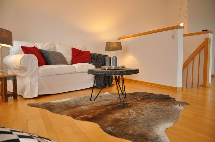 Optimmo Home Staging 现代客厅設計點子、靈感 & 圖片