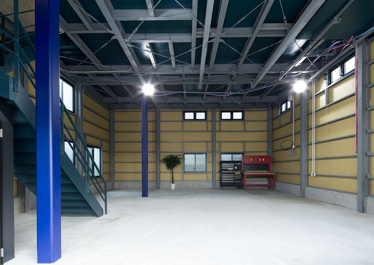 一級建築士事務所 馬場建築設計事務所 Modern garage/shed Iron/Steel Black