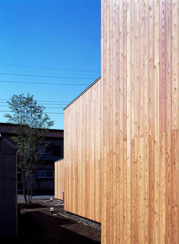 桐山和広建築設計事務所 Modern houses