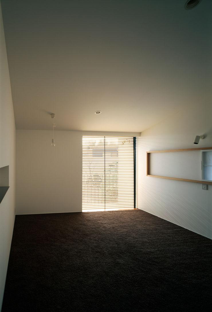 桐山和広建築設計事務所 Modern style bedroom